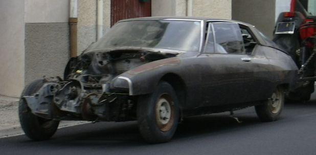 Atelier-Amedee-mecanique auto Perpignan Citroen SM de course 1