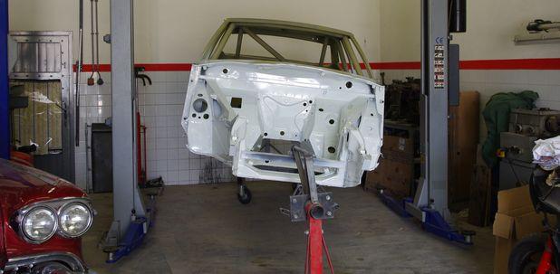 Atelier-Amedee-mecanique auto Perpignan Citroen SM de course 16